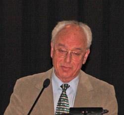Christof Schneider, Vorsitzender vom Seniorenausschuss erinnerte an sozial Schwache und plädierte zumindest für eine niedrigere Erhöhung der Grundsteuer