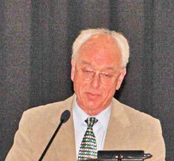 Macht auffällig PR für Christof Schneider: Christof Schneider, Vorsitzender Senioren-Ausschuss in Ahrensburg