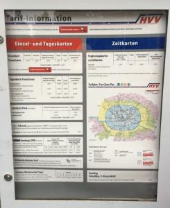 Finden Sie hier mal heraus, was ein Tagesticket für zwei Personen mit Kind zur S-Bahn Holstenstraße kostet!