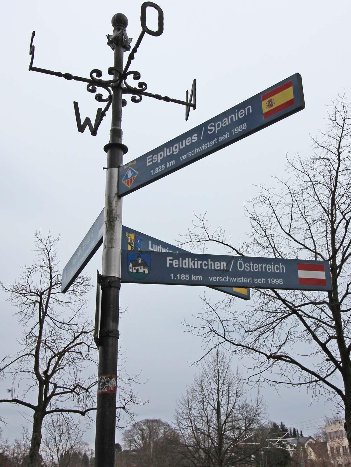 Ahrensburger Symbol: Der Falke als Bote des Lichts für Feldkirchen ...